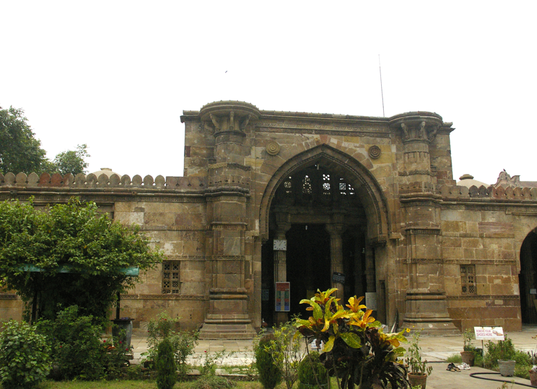 reasons to visit Ahmedabad ... Ahmed Shah's Mosque is one of the oldest mosques in Ahmedabad, where a large flock of tourists is seen every month